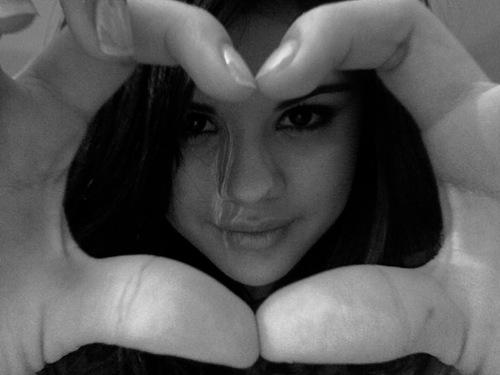 Selena Gomez Nick Jonas Kissing. Kissed selena nick jonas